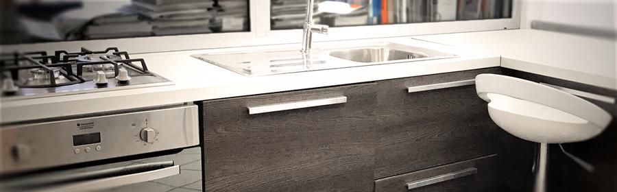 Travaux d'aménagement intérieurs sur-mesure, container, cuisine, salle de bain, bureau