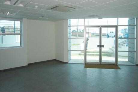 Hall d'entrée avec menuiserie aluminium